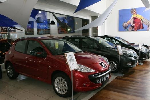 O globo seis dicas para negociar a compra do carro novo for Carro compra moderno
